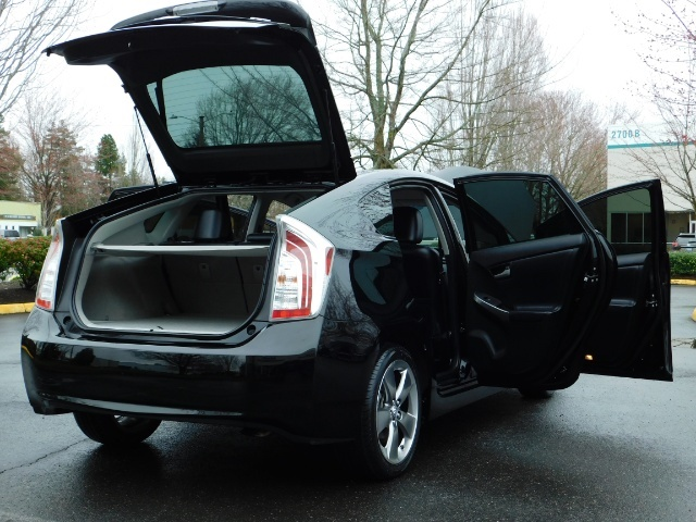 2013 Toyota Prius Persona Series SE / Leather / Navigation / Excel C - Photo 28 - Portland, OR 97217