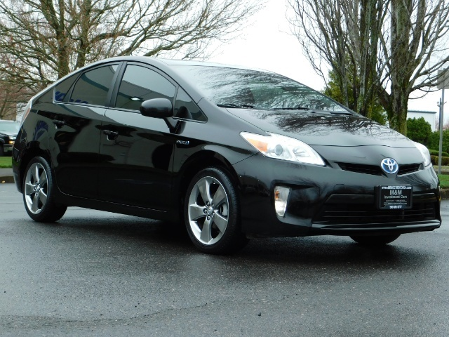 2013 Toyota Prius Persona Series SE / Leather / Navigation / Excel C - Photo 2 - Portland, OR 97217