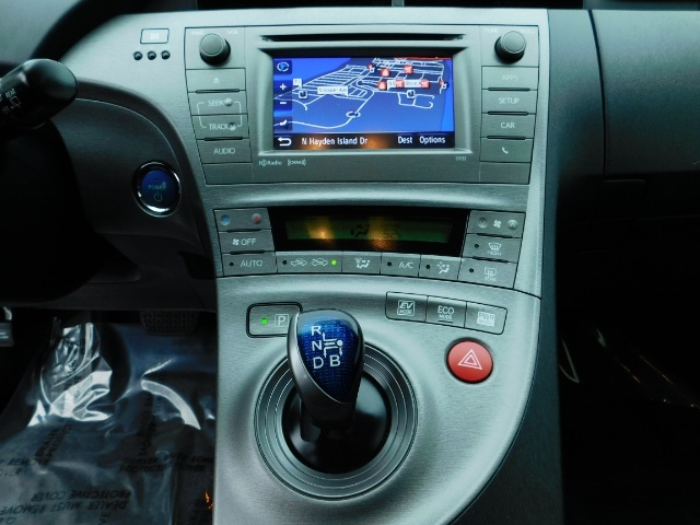 2013 Toyota Prius Persona Series SE / Leather / Navigation / Excel C - Photo 19 - Portland, OR 97217