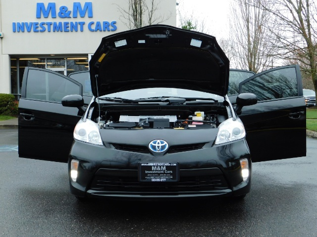2013 Toyota Prius Persona Series SE / Leather / Navigation / Excel C - Photo 32 - Portland, OR 97217