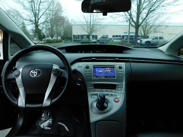 2013 Toyota Prius Persona Series SE / Leather / Navigation / Excel C - Photo 18 - Portland, OR 97217