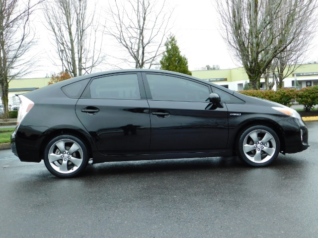2013 Toyota Prius Persona Series SE / Leather / Navigation / Excel C - Photo 4 - Portland, OR 97217