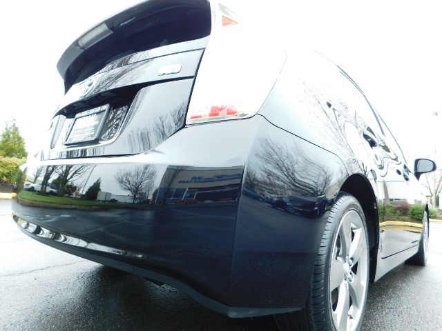 2013 Toyota Prius Persona Series SE / Leather / Navigation / Excel C - Photo 11 - Portland, OR 97217