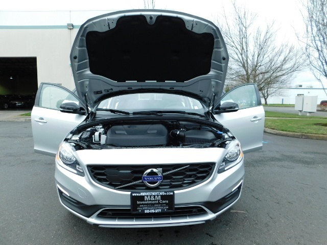 2017 Volvo V60 Cross Country T5 Premier / Cross Country / V60 / AWD / 1-OWNER - Photo 45 - Portland, OR 97217