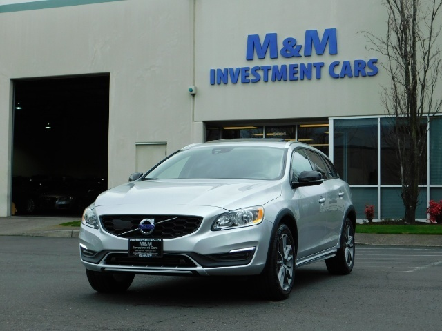 2017 Volvo V60 Cross Country T5 Premier / Cross Country / V60 / AWD / 1-OWNER - Photo 1 - Portland, OR 97217
