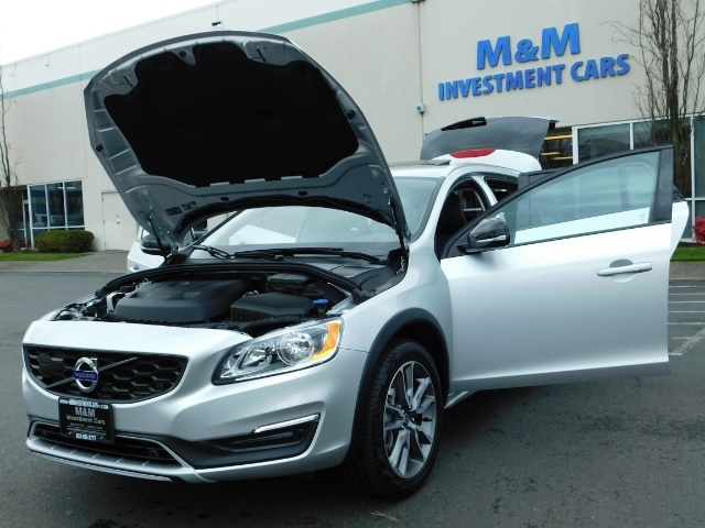 2017 Volvo V60 Cross Country T5 Premier / Cross Country / V60 / AWD / 1-OWNER - Photo 38 - Portland, OR 97217
