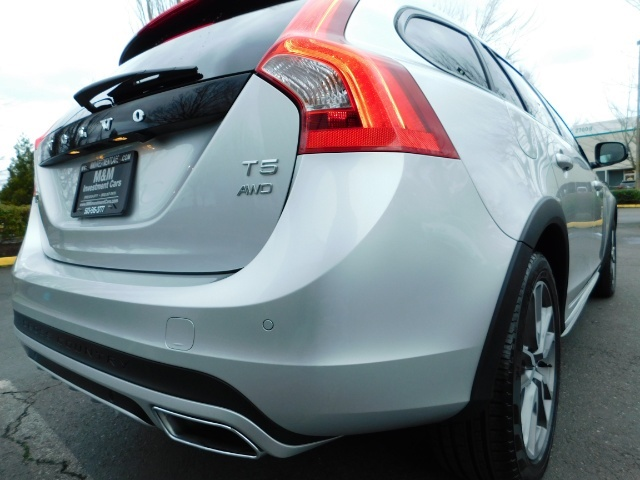 2017 Volvo V60 Cross Country T5 Premier / Cross Country / V60 / AWD / 1-OWNER - Photo 8 - Portland, OR 97217