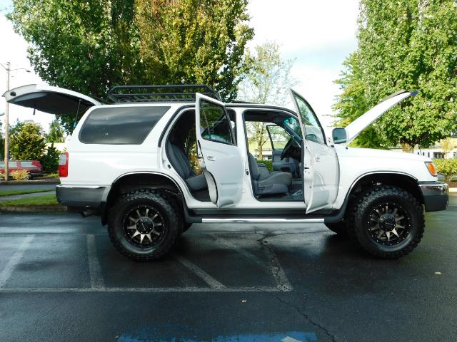 2000 Toyota 4Runner 4X4 / 3.4L V6 / LIFTED / 1-OWNER / 109,000 MILES ! - Photo 21 - Portland, OR 97217