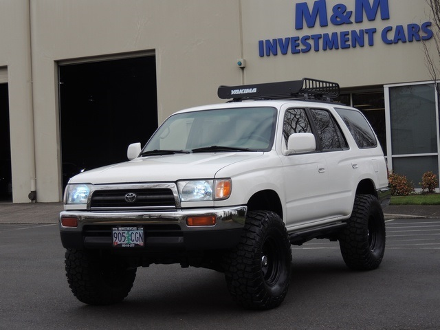 1997 Toyota 4Runner SR5 / 4X4 / 6Cyl / LIFTED LIFTED   Photo 1   Portland