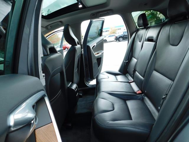 2017 Volvo XC60 T5 Inscription / AWD/ BLIS / Navi / Backup / Pano - Photo 10 - Portland, OR 97217