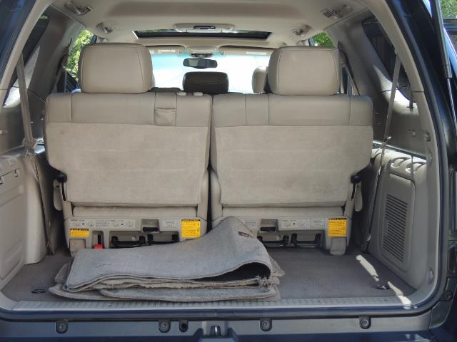2006 Toyota Sequoia LIMITED 4X4 / 8 SEATS NAVi DVD / FRESH TIMING BELT - Photo 16 - Portland, OR 97217