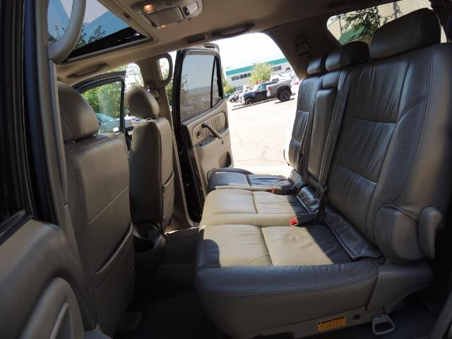 2006 Toyota Sequoia LIMITED 4X4 / 8 SEATS NAVi DVD / FRESH TIMING BELT - Photo 14 - Portland, OR 97217