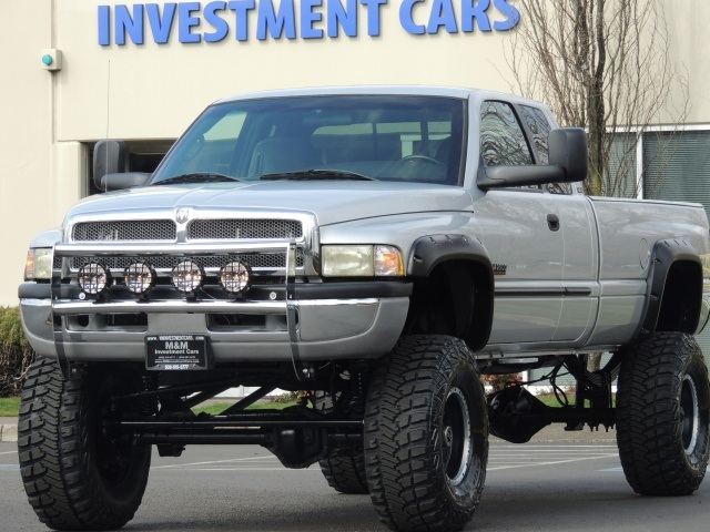 2002 Dodge Ram 2500 SLT / 4X4 / 5.9L SEL / MONSTER LIFTED LIFTED