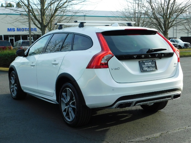 2017 Volvo XC (Cross Country) V60 T5 Premier / AWD / NAVi / HEATED SEATS / 9KMLS - Photo 7 - Portland, OR 97217