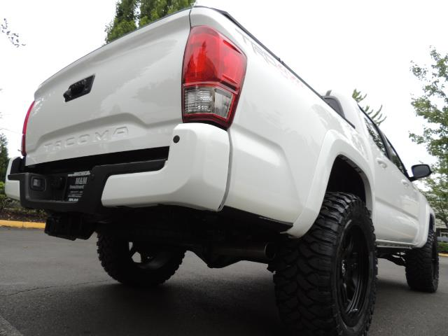 2016 Toyota Tacoma TRD Off-Road Sport / 4X4 / Blind Spot / Sunroof - Photo 9 - Portland, OR 97217