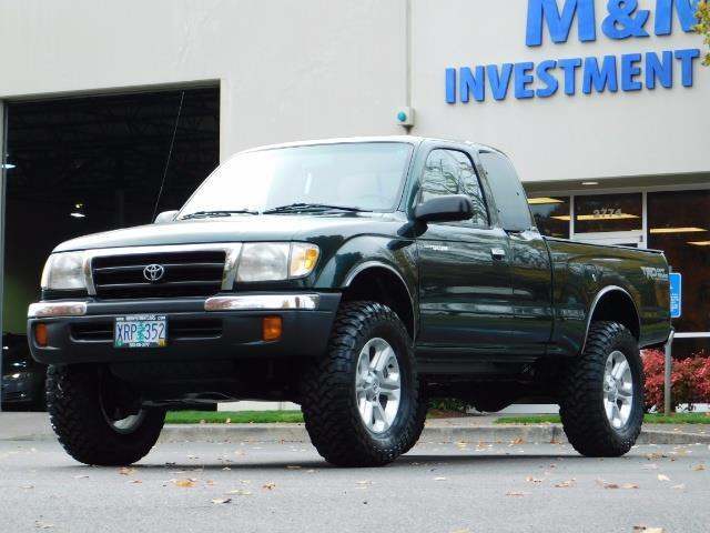 2000 Toyota Tacoma 4X4 V6 3.4L / MANUAL 5 SPEED / LIFTED / 103K MILES - Photo 1 - Portland, OR 97217