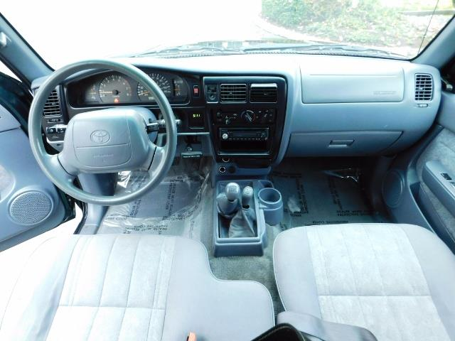 2000 Toyota Tacoma 4X4 V6 3.4L / MANUAL 5 SPEED / LIFTED / 103K MILES - Photo 18 - Portland, OR 97217
