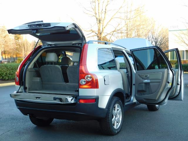 2004 Volvo XC90 2.5T / Leather / Heated seats / Rear DVD/ Low mile - Photo 29 - Portland, OR 97217