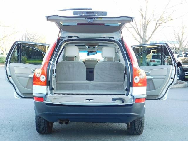 2004 Volvo XC90 2.5T / Leather / Heated seats / Rear DVD/ Low mile - Photo 20 - Portland, OR 97217