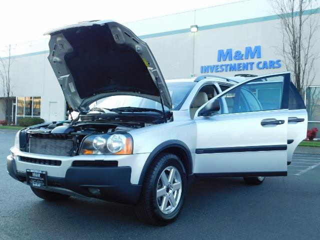 2004 Volvo XC90 2.5T / Leather / Heated seats / Rear DVD/ Low mile - Photo 25 - Portland, OR 97217