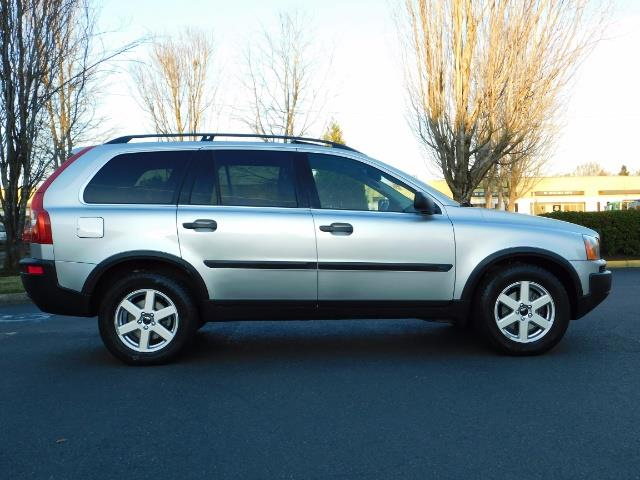 2004 Volvo XC90 2.5T / Leather / Heated seats / Rear DVD/ Low mile - Photo 4 - Portland, OR 97217
