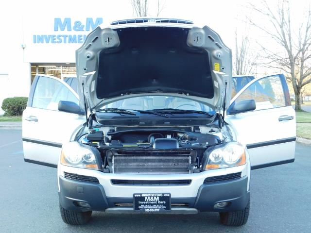 2004 Volvo XC90 2.5T / Leather / Heated seats / Rear DVD/ Low mile - Photo 32 - Portland, OR 97217