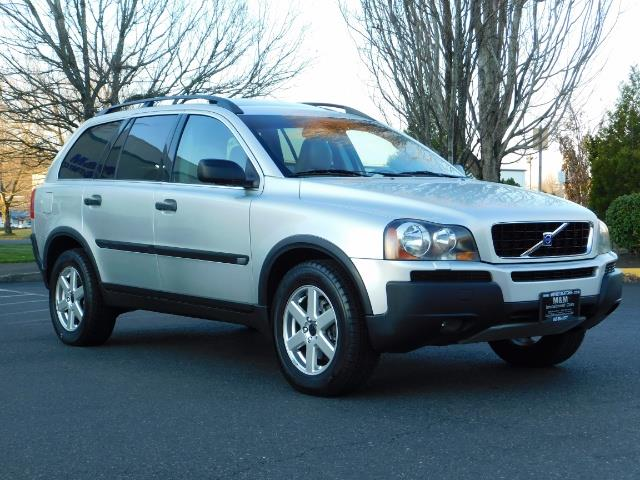 2004 Volvo XC90 2.5T / Leather / Heated seats / Rear DVD/ Low mile - Photo 2 - Portland, OR 97217