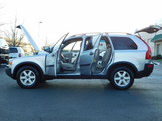 2004 Volvo XC90 2.5T / Leather / Heated seats / Rear DVD/ Low mile - Photo 26 - Portland, OR 97217