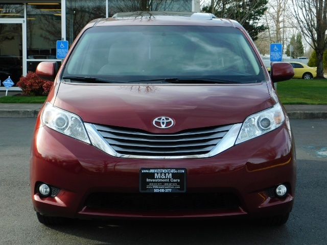 2015 Toyota Sienna XLE Premium 7-Passenger / AWD / Navi  / 1-Owner - Photo 5 - Portland, OR 97217