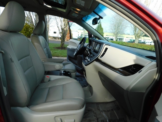 2015 Toyota Sienna XLE Premium 7-Passenger / AWD / Navi  / 1-Owner - Photo 19 - Portland, OR 97217