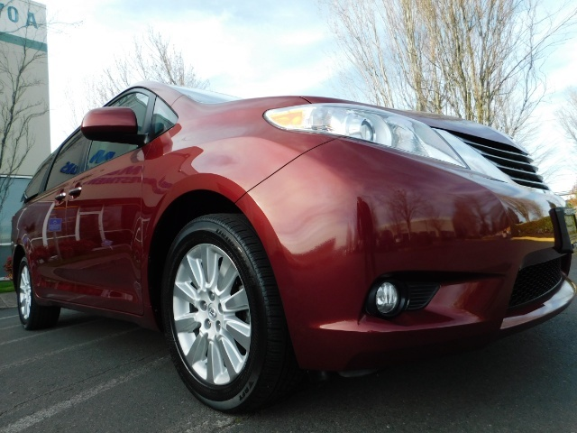 2015 Toyota Sienna XLE Premium 7-Passenger / AWD / Navi  / 1-Owner - Photo 10 - Portland, OR 97217