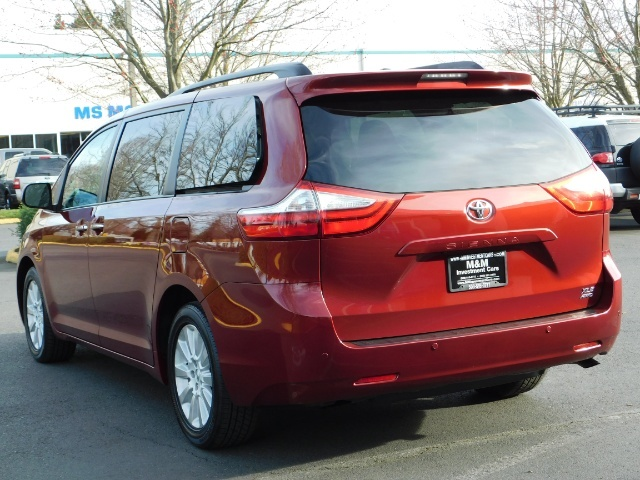 2015 Toyota Sienna XLE Premium 7-Passenger / AWD / Navi  / 1-Owner - Photo 7 - Portland, OR 97217