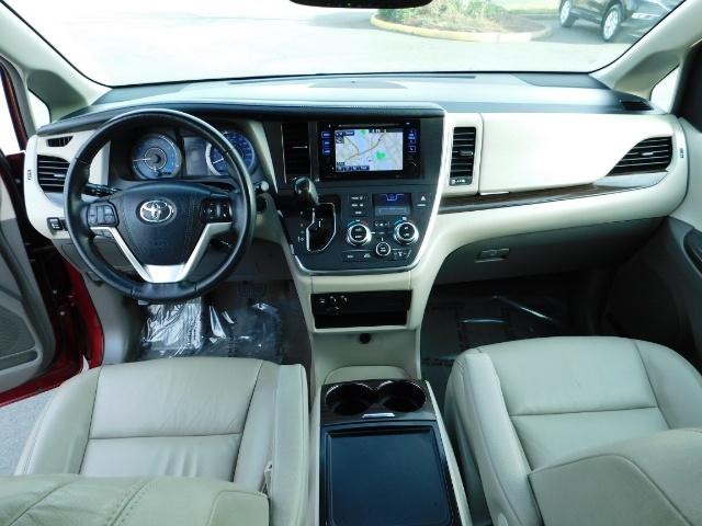 2015 Toyota Sienna XLE Premium 7-Passenger / AWD / Navi  / 1-Owner - Photo 39 - Portland, OR 97217