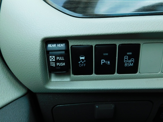 2015 Toyota Sienna XLE Premium 7-Passenger / AWD / Navi  / 1-Owner - Photo 43 - Portland, OR 97217