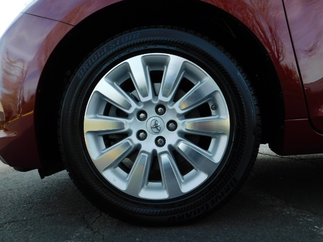 2015 Toyota Sienna XLE Premium 7-Passenger / AWD / Navi  / 1-Owner - Photo 45 - Portland, OR 97217