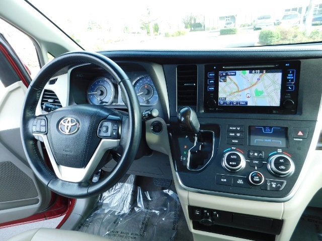 2015 Toyota Sienna XLE Premium 7-Passenger / AWD / Navi  / 1-Owner - Photo 20 - Portland, OR 97217