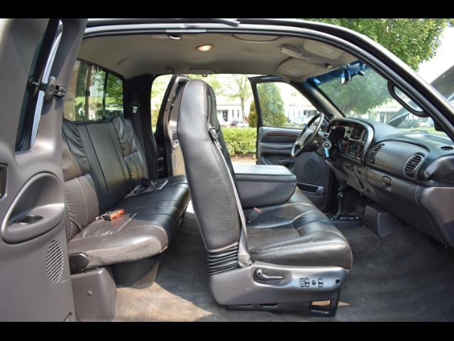 2001 Dodge Ram 2500 SLT Plus / 4X4 / 5.9L DIESEL / Leather / LIFTED - Photo 58 - Portland, OR 97217