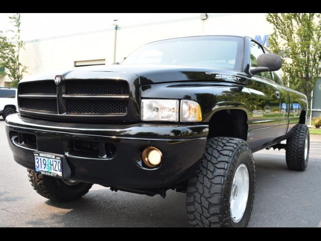2001 Dodge Ram 2500 SLT Plus / 4X4 / 5.9L DIESEL / Leather / LIFTED - Photo 9 - Portland, OR 97217