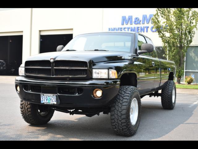 2001 Dodge Ram 2500 SLT Plus / 4X4 / 5.9L DIESEL / Leather / LIFTED - Photo 39 - Portland, OR 97217