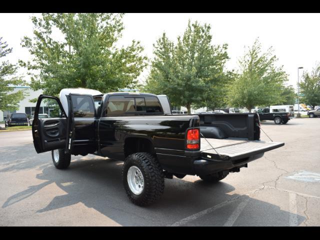 2001 Dodge Ram 2500 SLT Plus / 4X4 / 5.9L DIESEL / Leather / LIFTED - Photo 27 - Portland, OR 97217