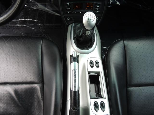 2002 Porsche 911 Turbo / AWD / 6-SPEED / Leather / Heaetd Seats - Photo 19 - Portland, OR 97217