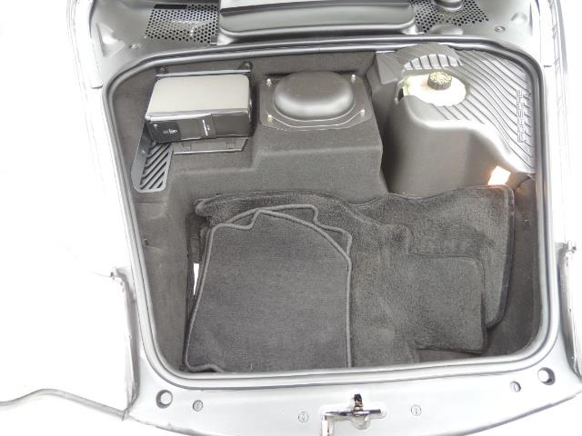 2002 Porsche 911 Turbo / AWD / 6-SPEED / Leather / Heaetd Seats - Photo 34 - Portland, OR 97217