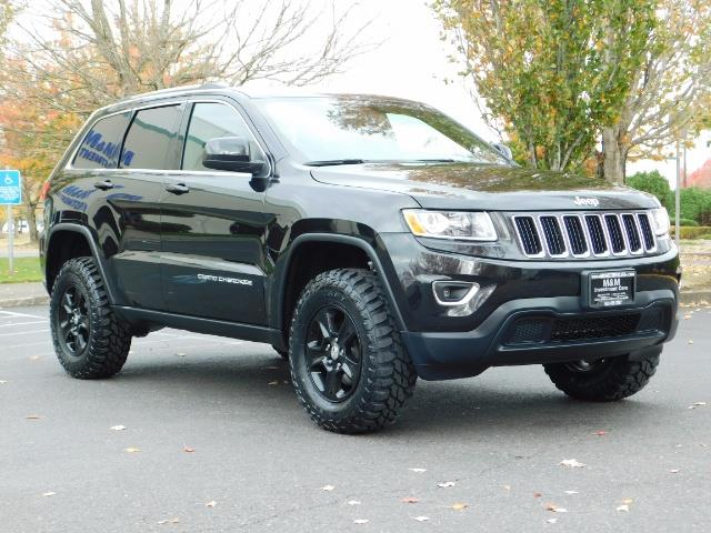 2016 Jeep Grand Cherokee Laredo / 4X4 / Sport Utility / LIFTED LIFTED    Photo 2