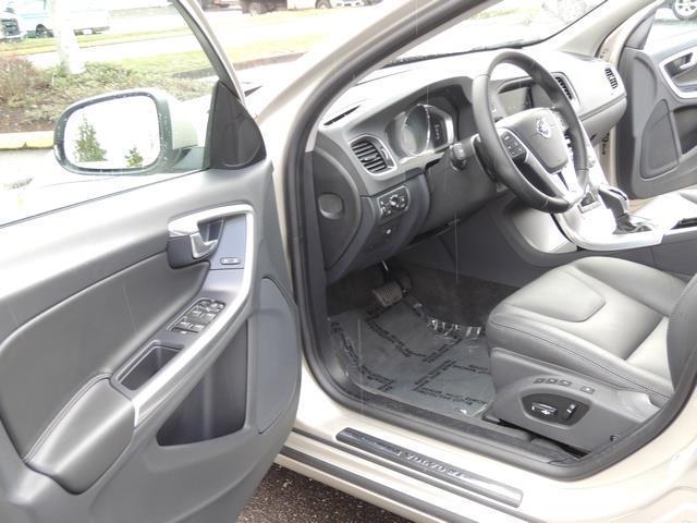 2017 Volvo V60 T5 Premier/ Leather / Heated Seats / Navigation - Photo 58 - Portland, OR 97217
