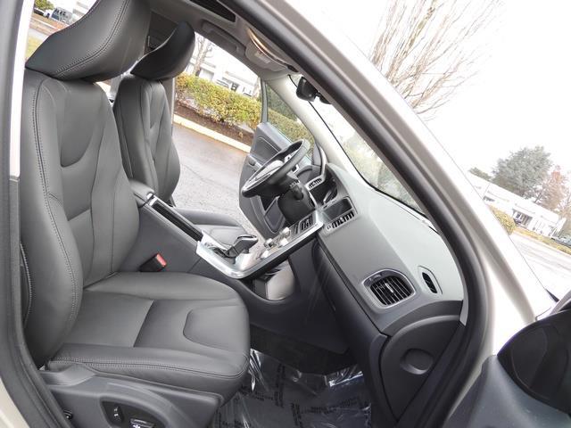 2017 Volvo V60 T5 Premier/ Leather / Heated Seats / Navigation - Photo 17 - Portland, OR 97217