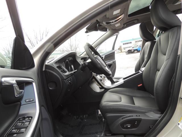 2017 Volvo V60 T5 Premier/ Leather / Heated Seats / Navigation - Photo 14 - Portland, OR 97217