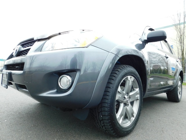 2011 Toyota RAV4 Sport / SUV / AWD / Sunroof / Low Miles / Excel Co - Photo 6 - Portland, OR 97217