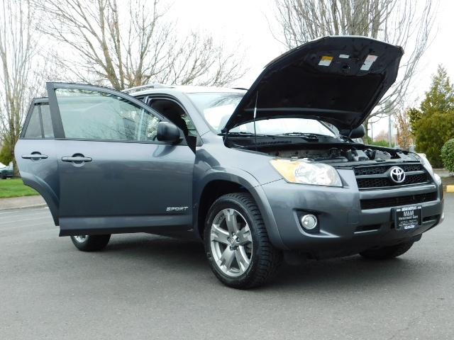 2011 Toyota RAV4 Sport / SUV / AWD / Sunroof / Low Miles / Excel Co - Photo 27 - Portland, OR 97217