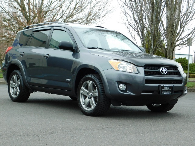 2011 Toyota RAV4 Sport / SUV / AWD / Sunroof / Low Miles / Excel Co - Photo 2 - Portland, OR 97217