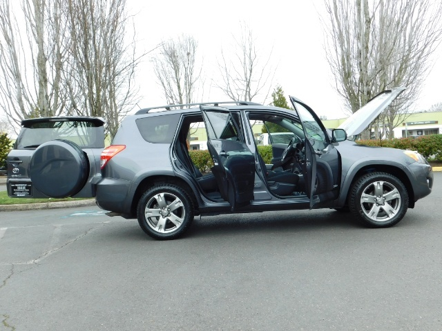 2011 Toyota RAV4 Sport / SUV / AWD / Sunroof / Low Miles / Excel Co - Photo 24 - Portland, OR 97217